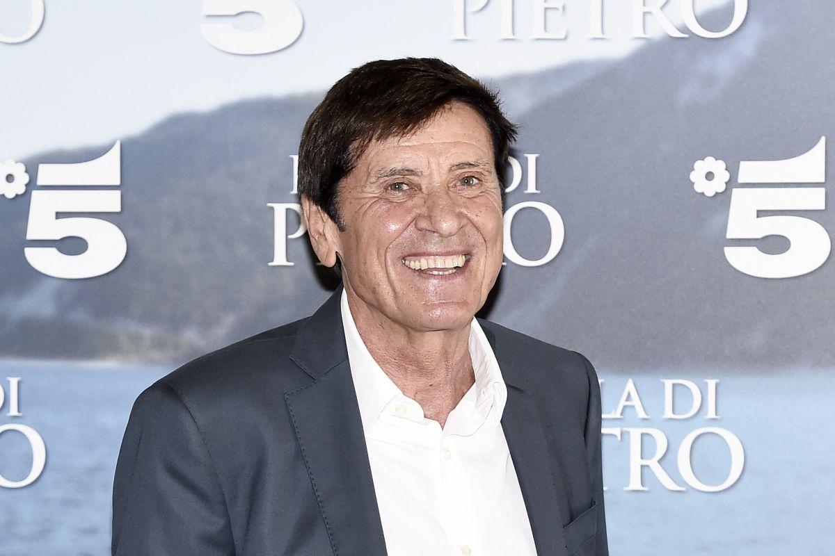 Gianni Morandi all'evento di lancio dell'Isola di Pietro