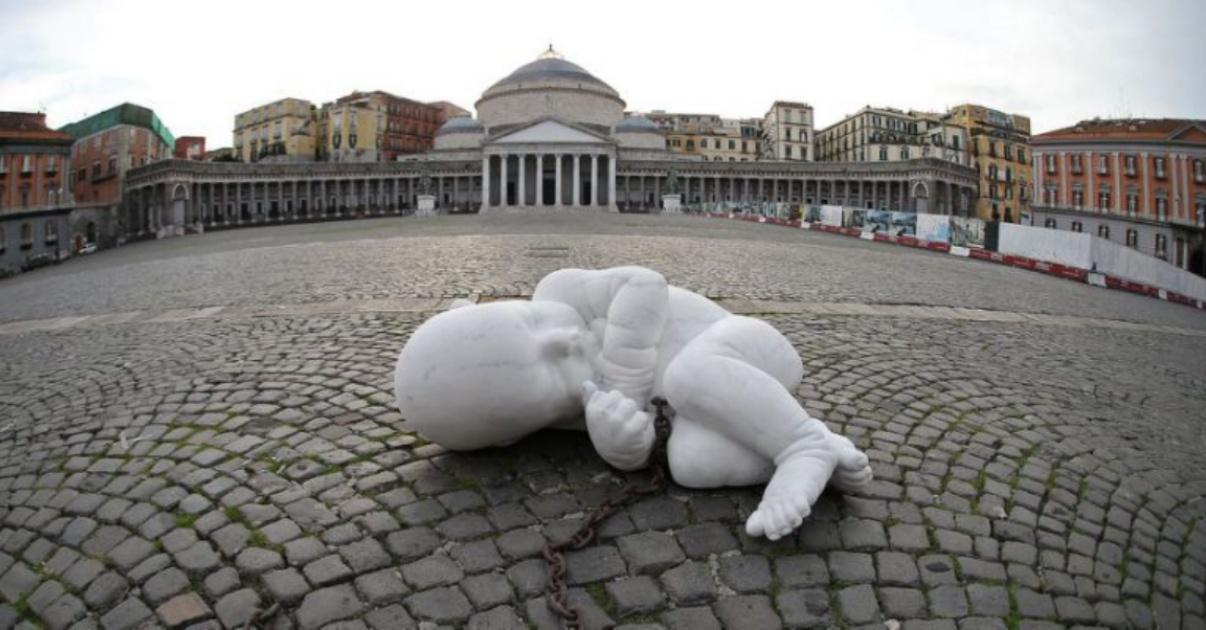 Jago e la scultura del neonato