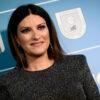 Laura Pausini si concede ai fotografi
