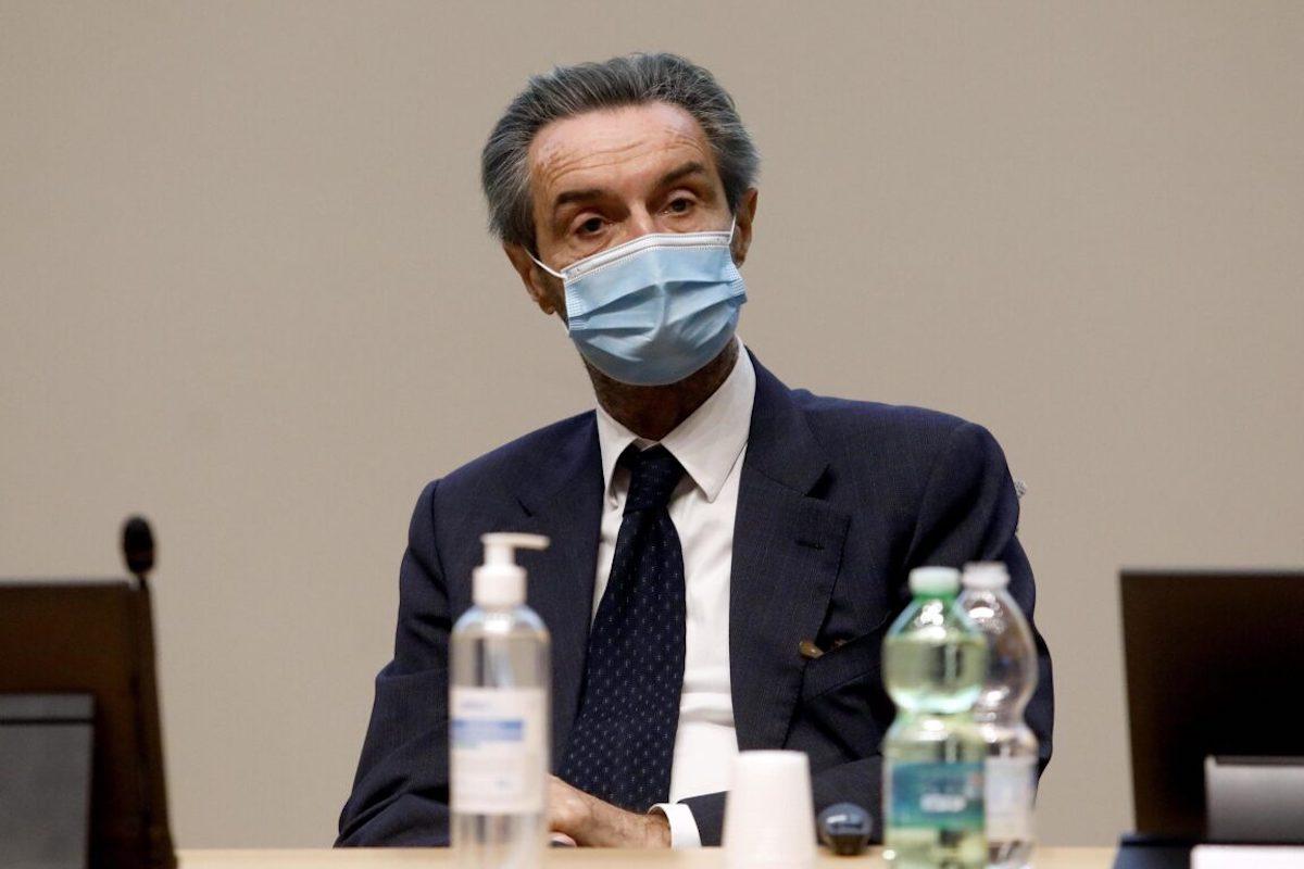 Attilio Fontana parla ai giornalisti