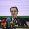 Governatore Lombardia parla ai microfoni