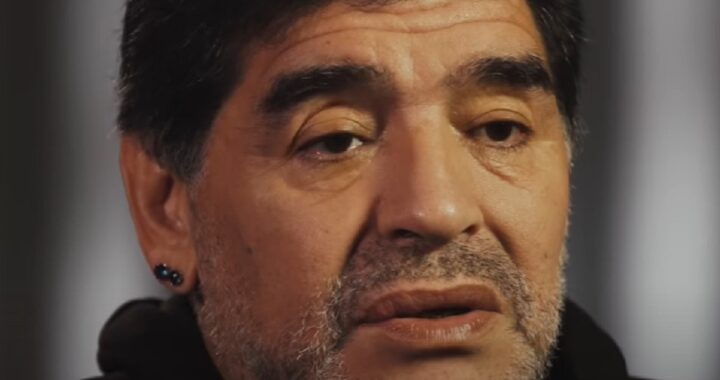 Maradona, primo colpo di scena nelle indagini sulla morte: partono le perquisizioni