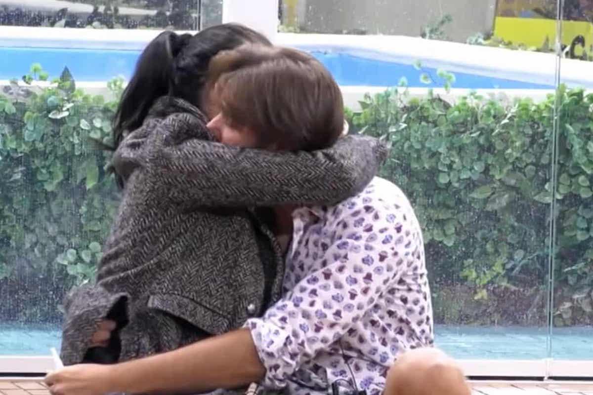 Massimiliano Morra abbraccia Adua Del Vesco