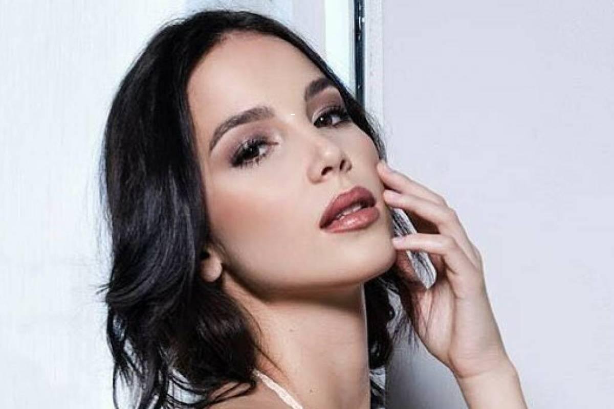 Paola Di Benedetto sexy
