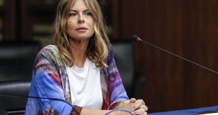 Paola Perego ad una conferenza
