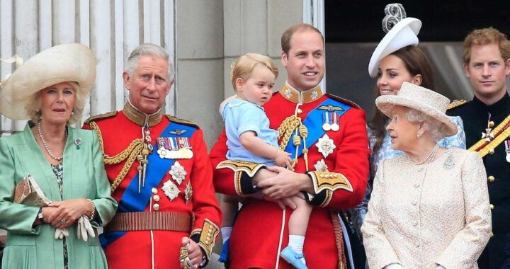 Regina Elisabetta famiglia Reale