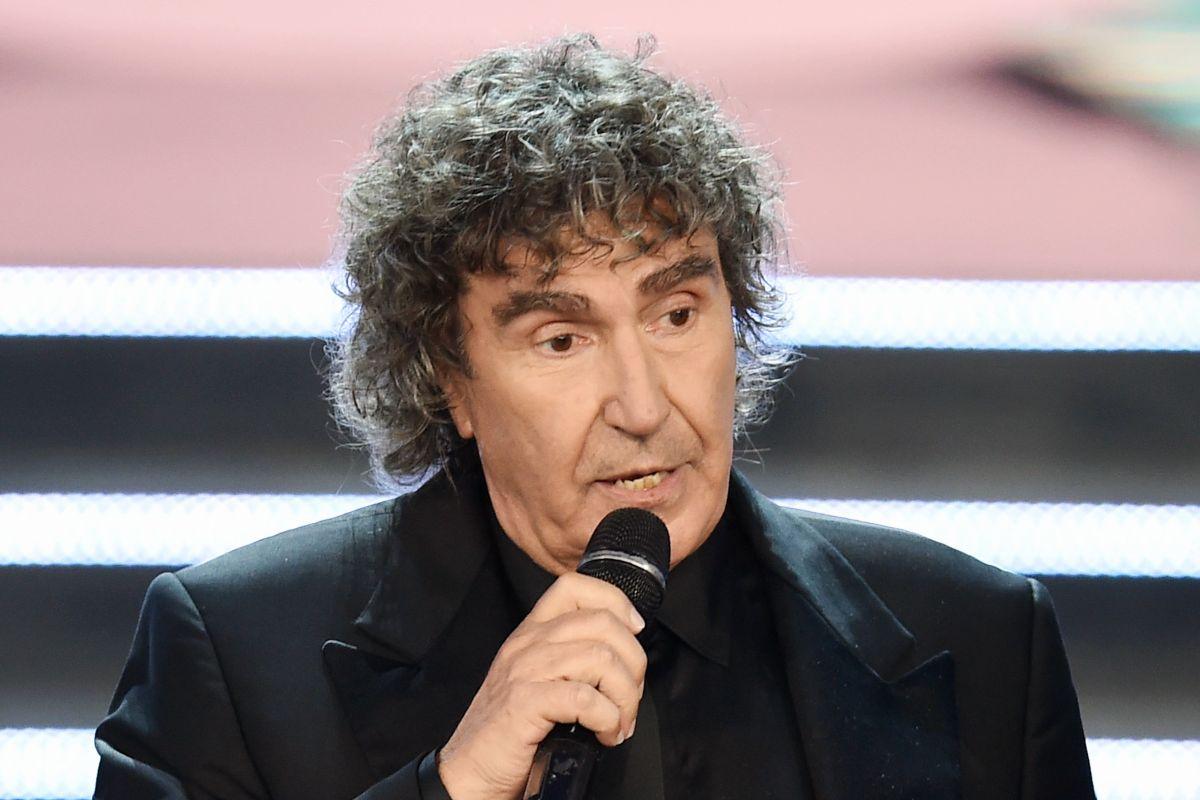 Stefano D'Orazio al microfono