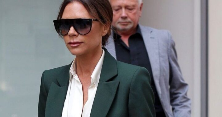 Victoria Beckham con gli occhiali da sole