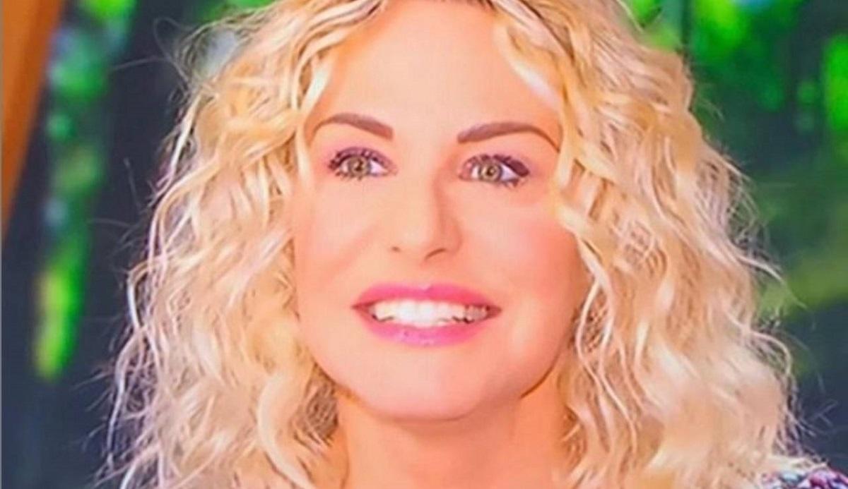 """Antonella Clerici arrabbiata sui social: """"Una vergogna"""""""