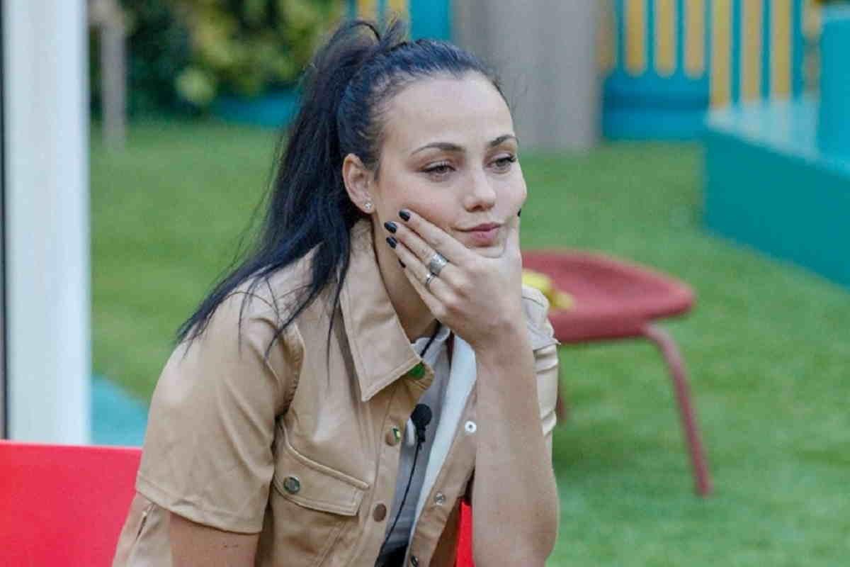 GF Vip Adua in lacrime criticata da Antonella Elia