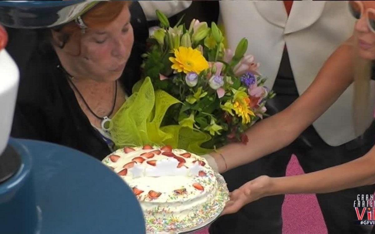 GF Vip il compleanno di Patrizia De Blanck 80 primavere