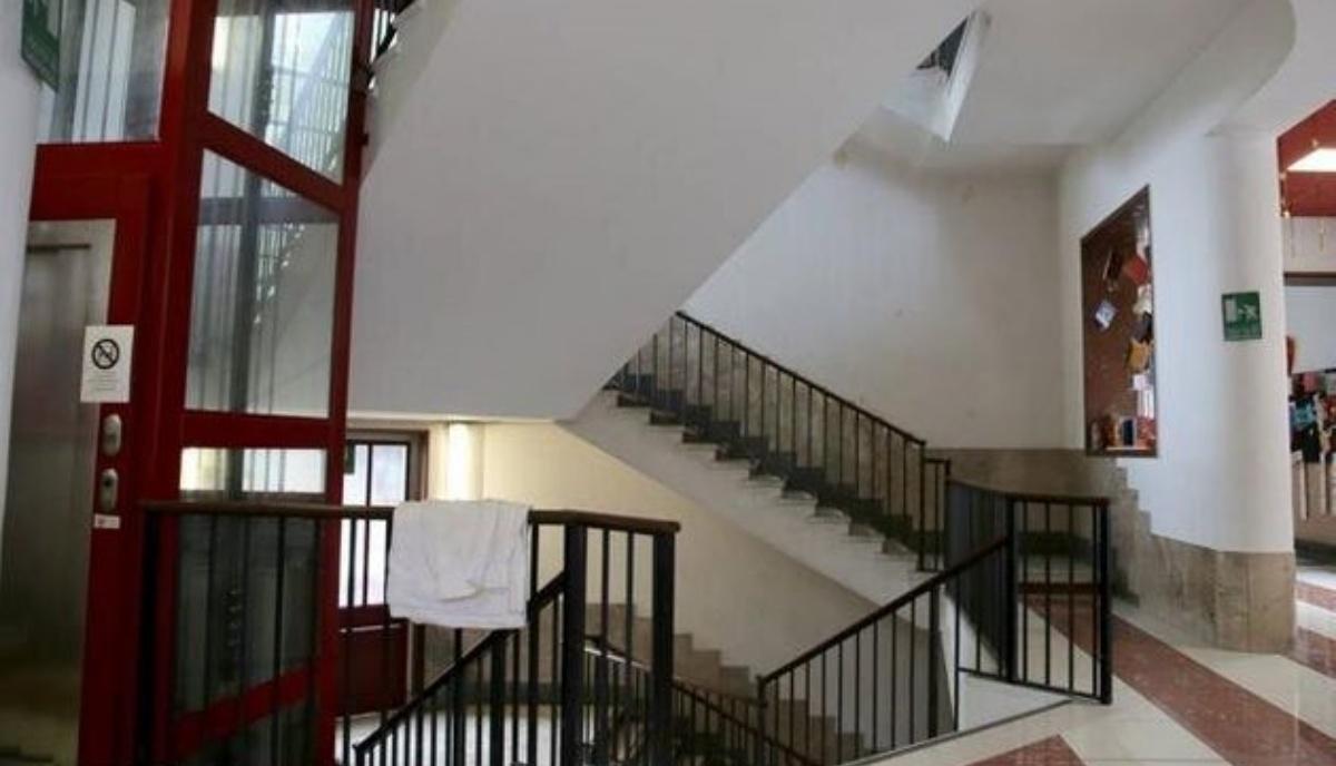 Leonardo, bimbo caduto dalle scale