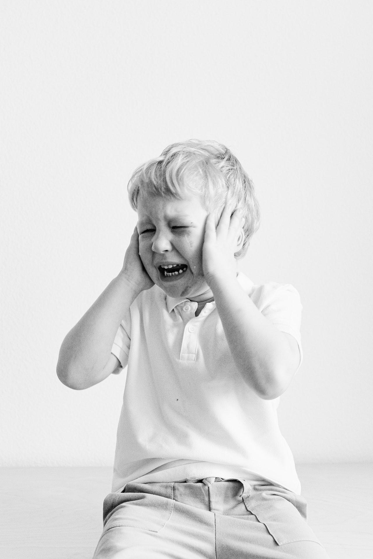 litiglio-genitori-bambino-piange