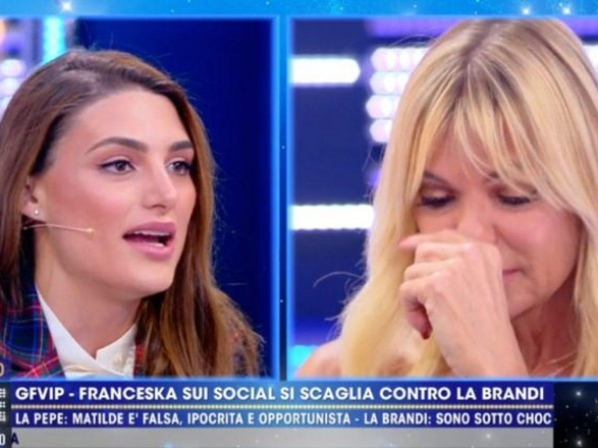 Matilde Brandi si attacca con Franceska Pepe