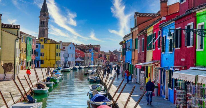 Mete colorate in Italia: una lista di borghi e scorci bellissimi da vedere