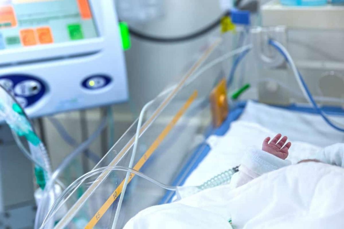 neonato un mese morto