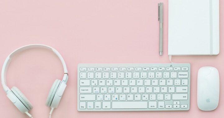 pulire la tastiera con il bicarbonato