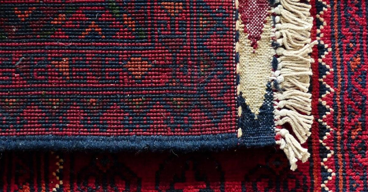 pulire un tappeto antico