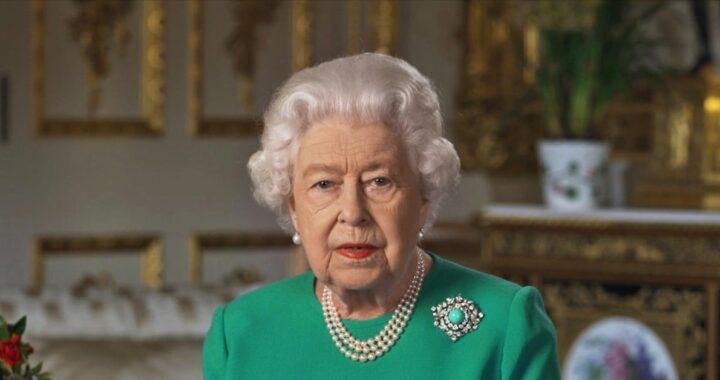 Regina Elisabetta, capelli veri o parrucca? Cosa sapere sulla sua acconciatura