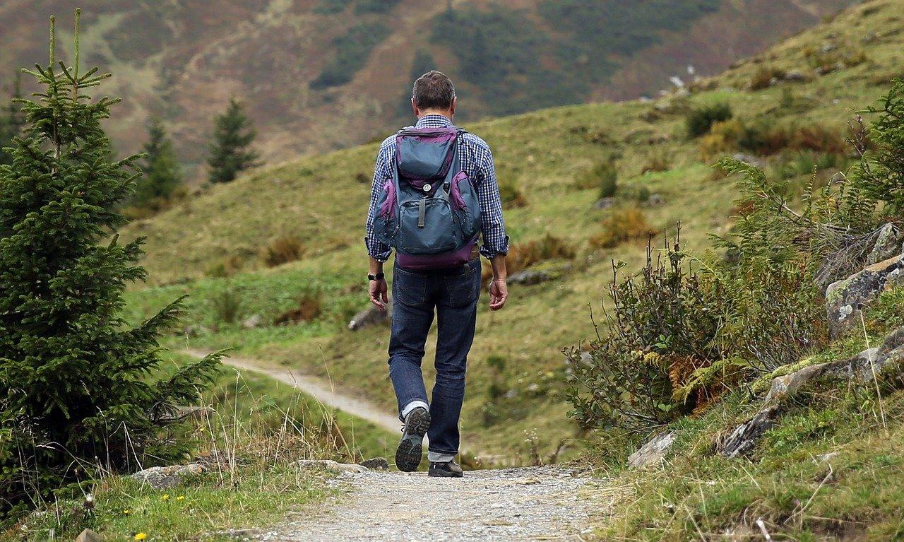 Seguire i sentieri in montagna