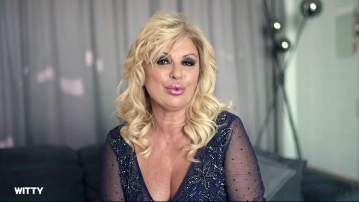 Tina Cipollari risponde a chi le chiede se abbandona UeD