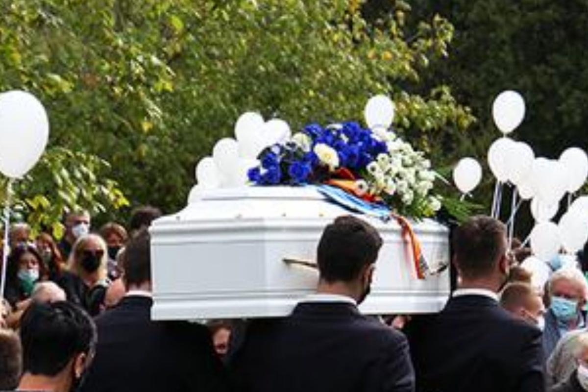 12enne morto funerale
