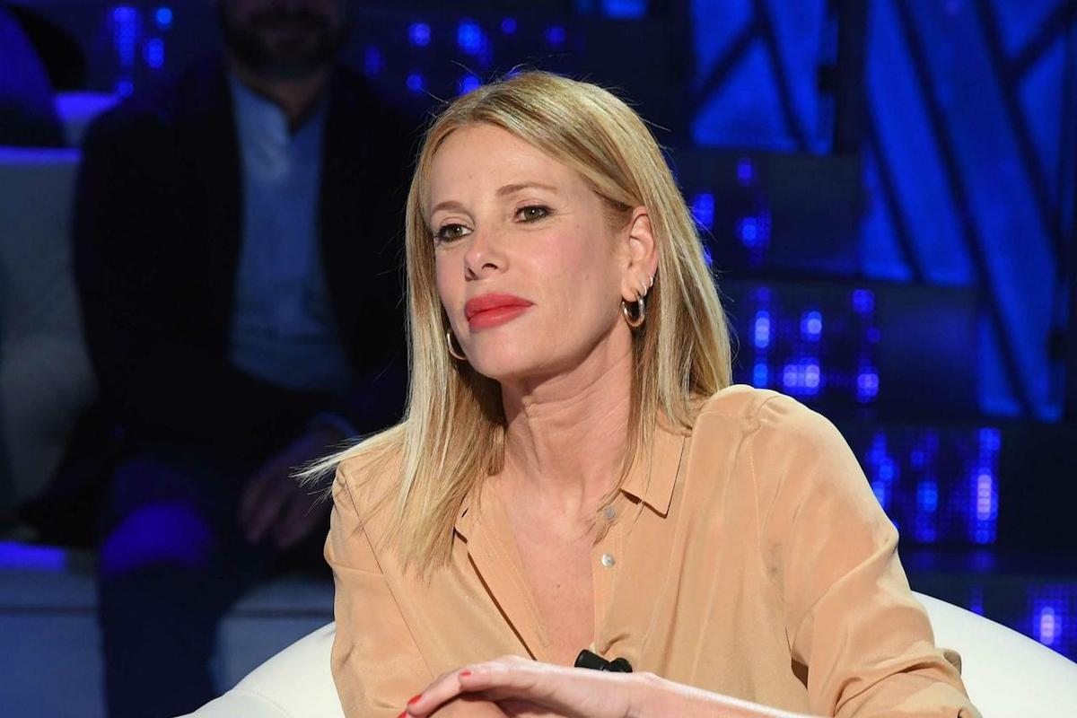 Alessia Marcuzzi negli studi televisivi