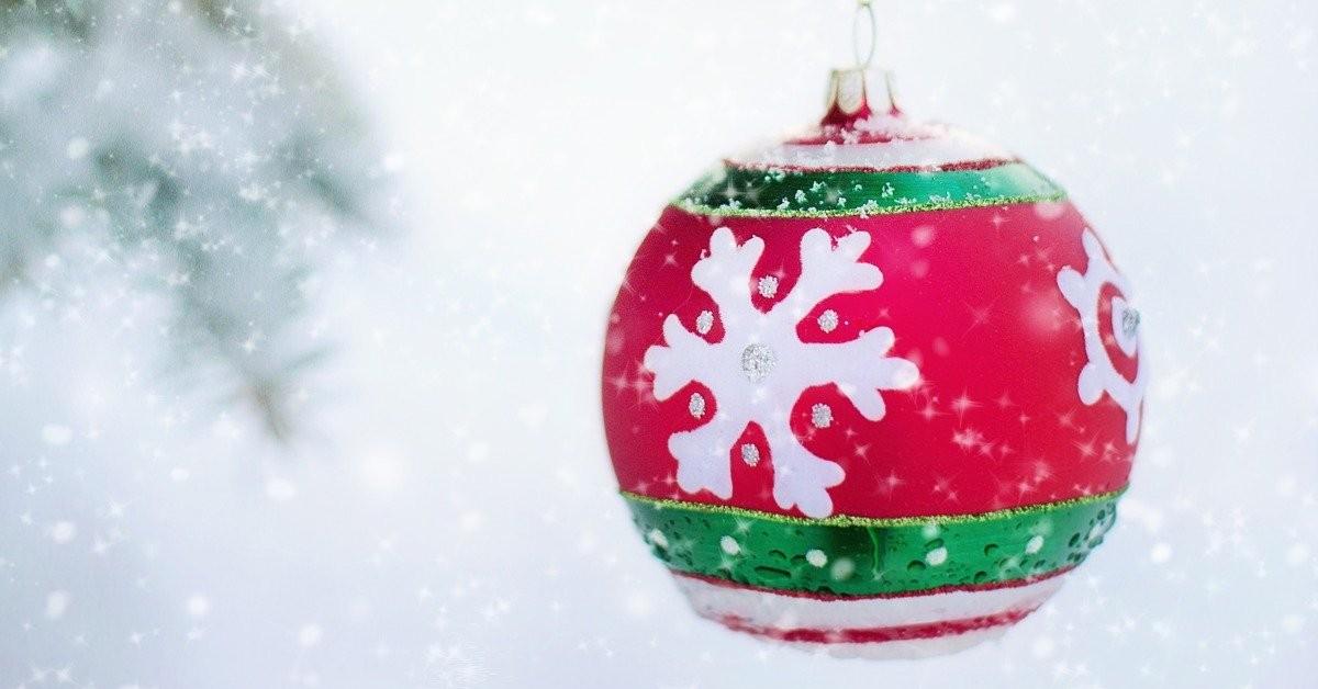 Come pulire le decorazioni natalizie