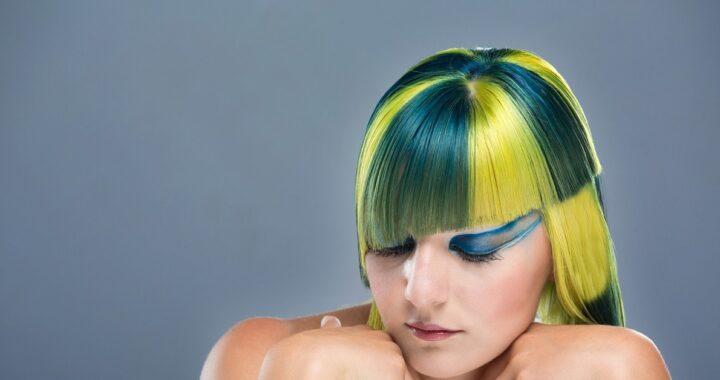 Come pulire le parrucche con i capelli finti: trucchi e consigli per tenerle in ordine e non rovinarle