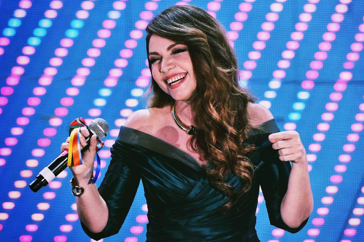 Cristina d'Avena canta