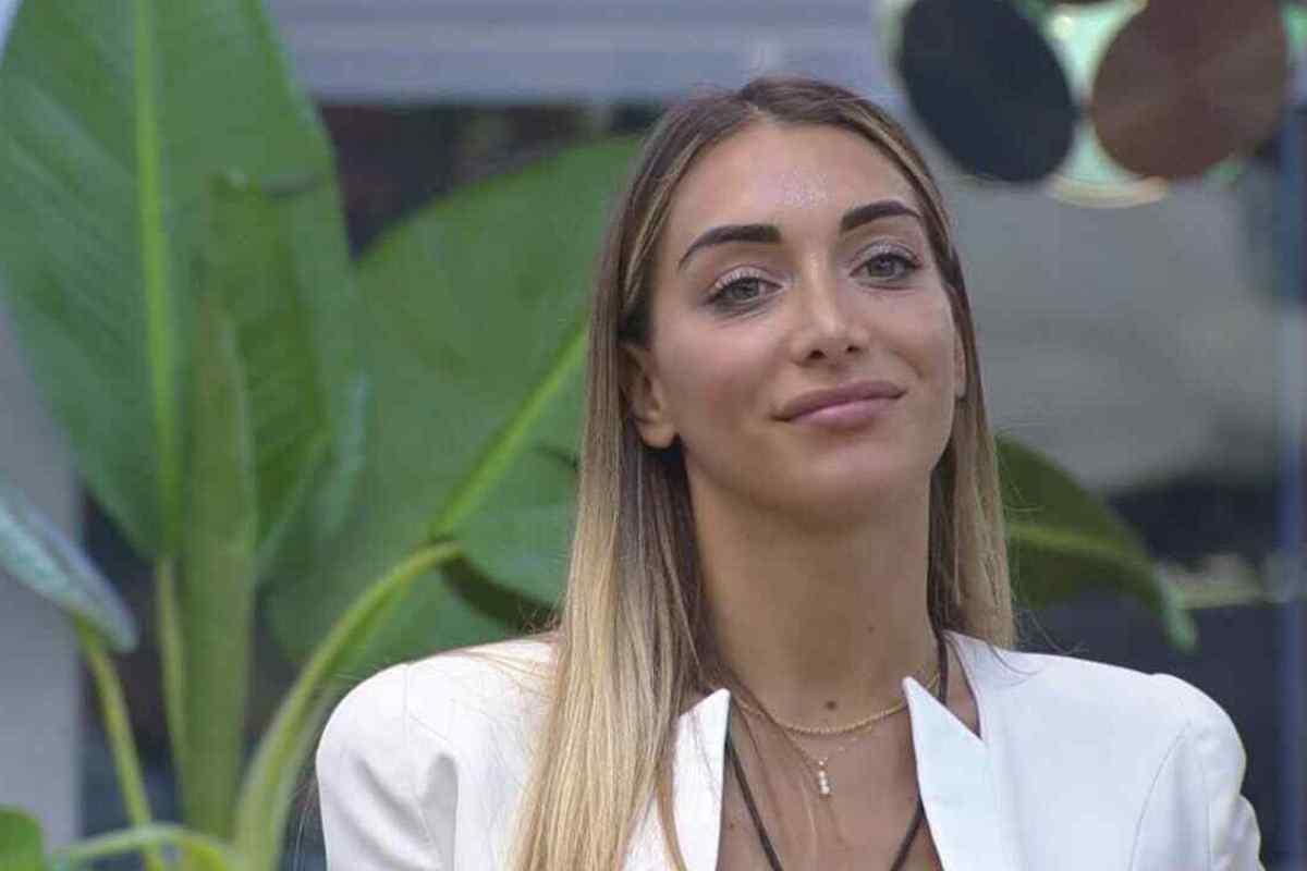 Elisa De Panicis che sorride