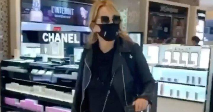 Jo Squillo in aeroporto