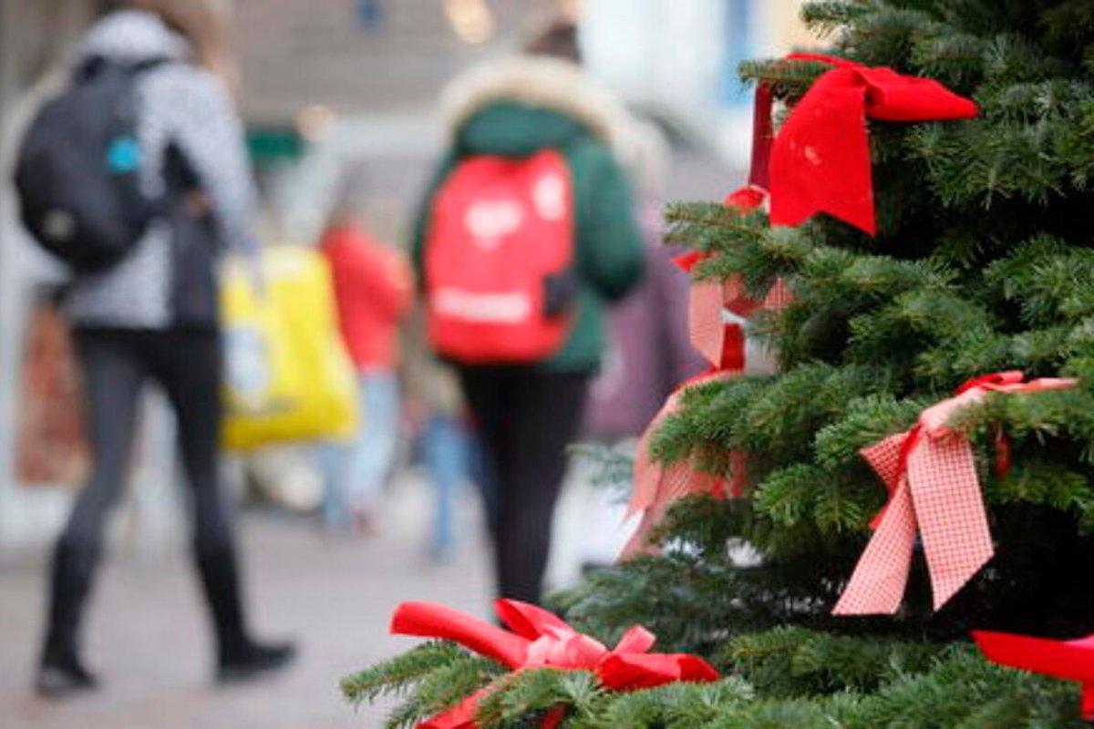 Nel periodo di Natale i ragazzi vanno a scuola