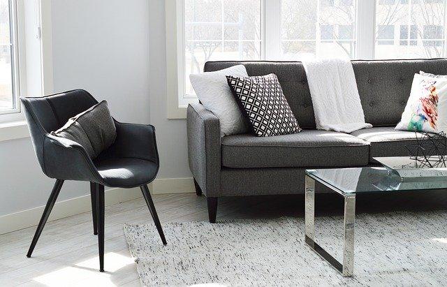 Poltrona, divano e tavolino