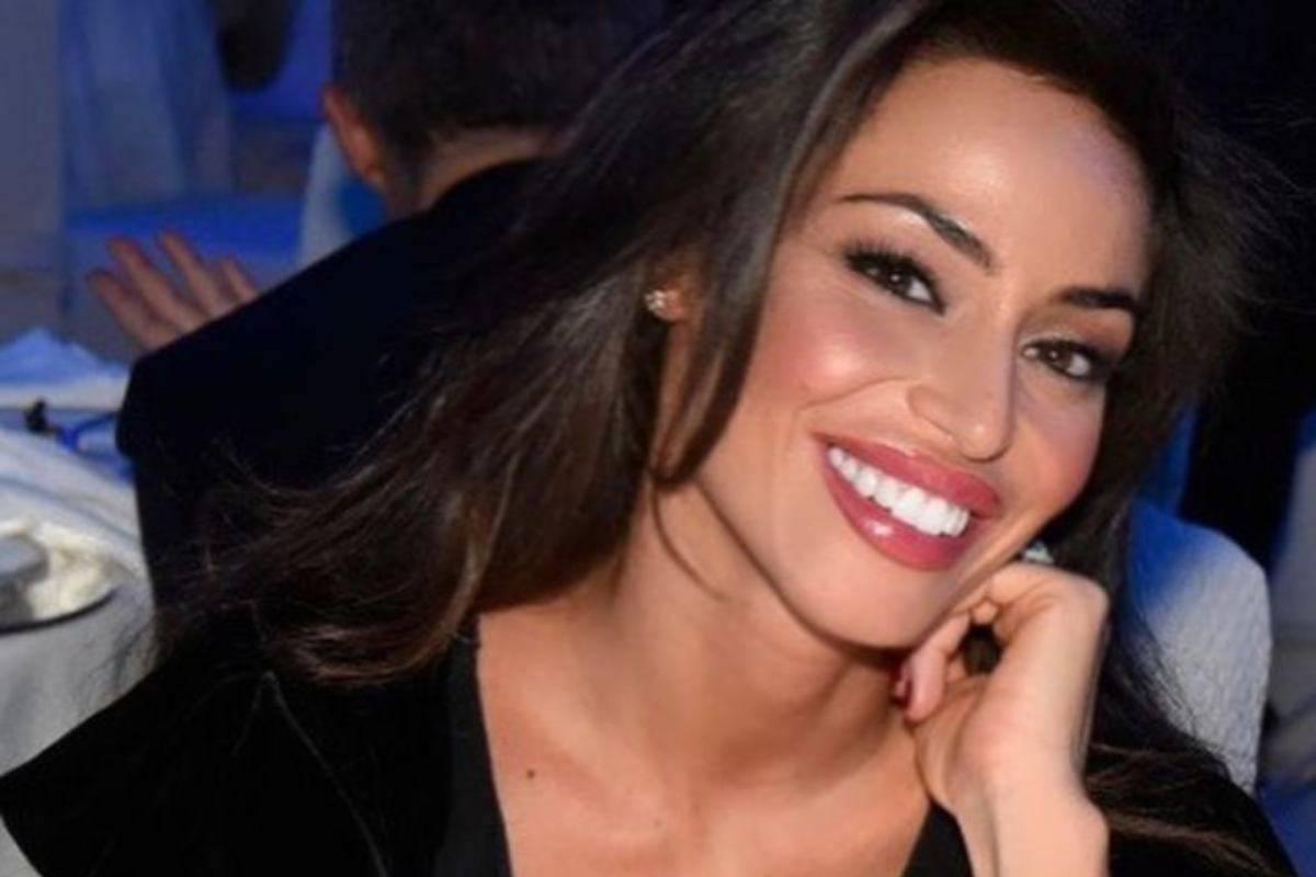 Raffaella Fico sorridente