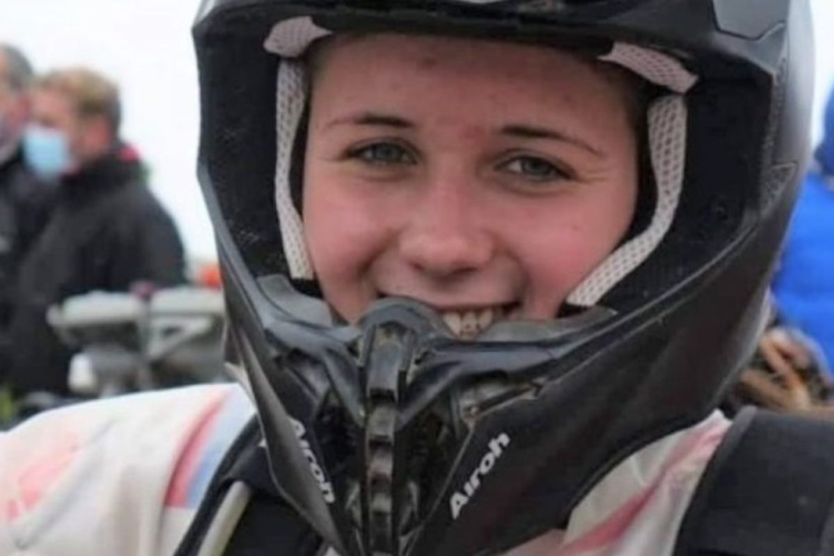 Sara Lenzi, motociclista di 18 anni, muore durante una gara in Sardegna