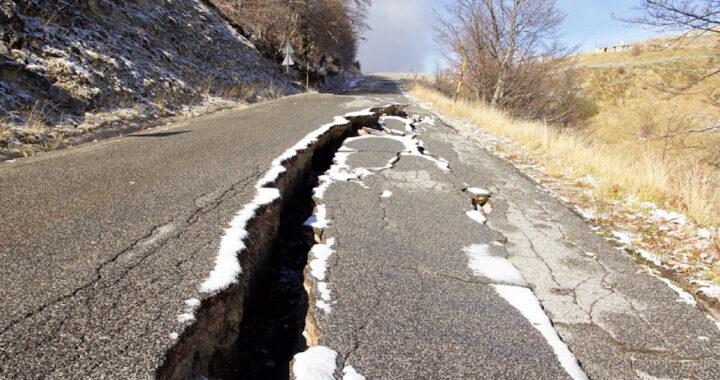 terremoto provoca voragine