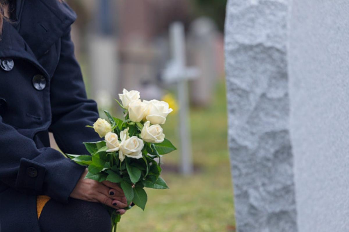 Abbandonato un bambino di 3 anni in un cimitero