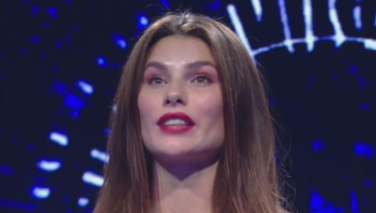 Dayane Mello spunta una relazione segreta con un'altra donna