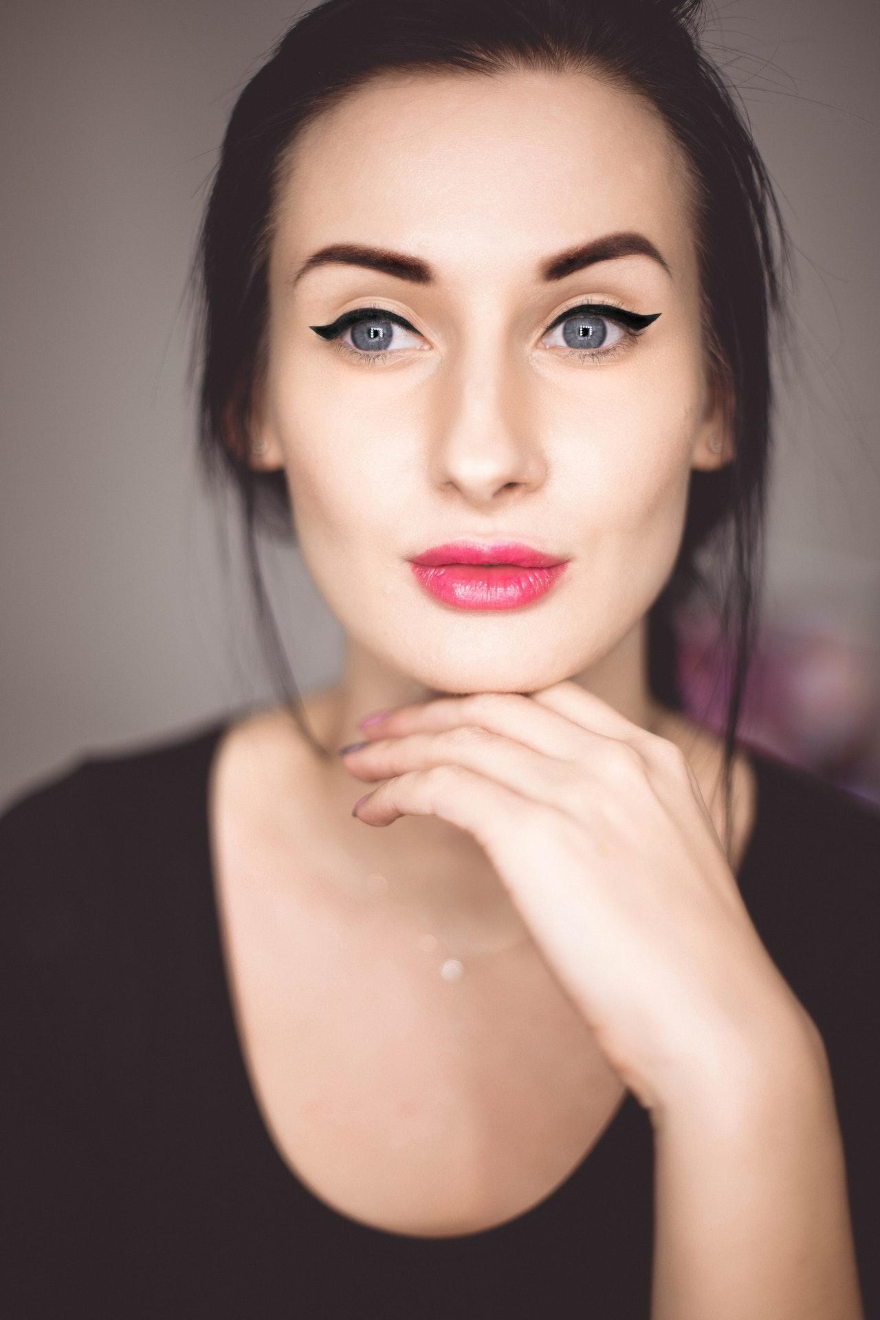 eye-liner-spesso