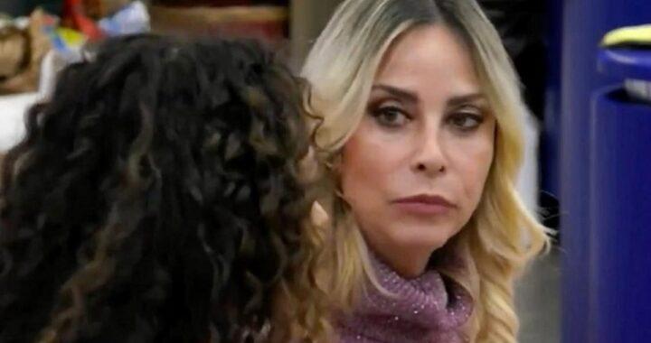 """GF Vip: Samantha De Grenet su Stefania Orlando: """"Una psicopatica"""""""