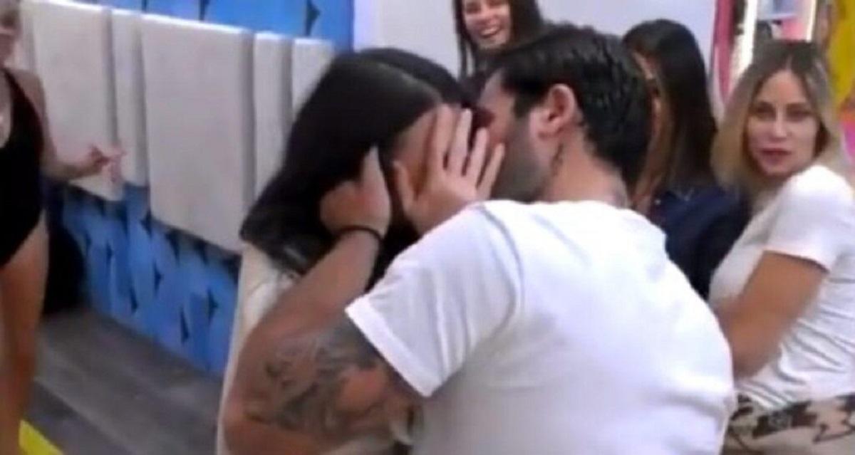 GF Vip: Scatta il bacio tra Giulia Salemi e Pierpaolo Pretelli