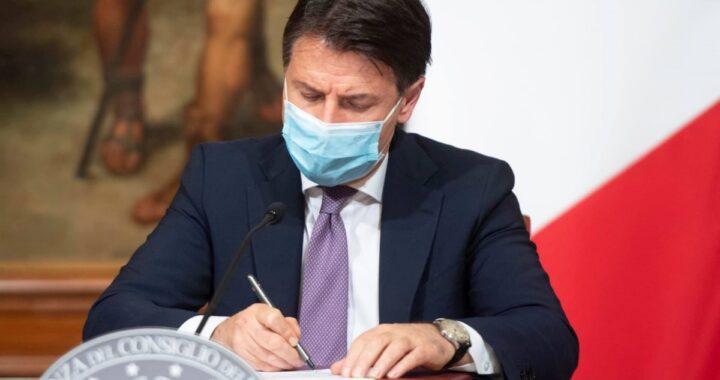 Giuseppe Conte rassegna le dimissioni: la risposta di Mattarella