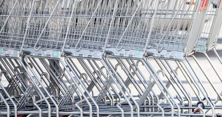 Incendio in un supermercato di Roma