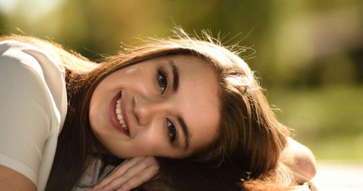 Trucco senza fondotinta: come uniformare la pelle e renderla radiosa