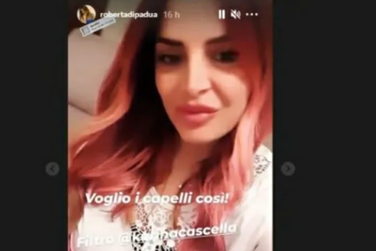 UeD: Colpo di testa di Roberta Di Padua. Capelli rosa