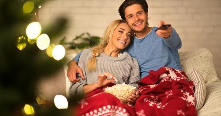 Vedere i film di Natale diventa un nuovo lavoro: ecco quanto si viene pagati