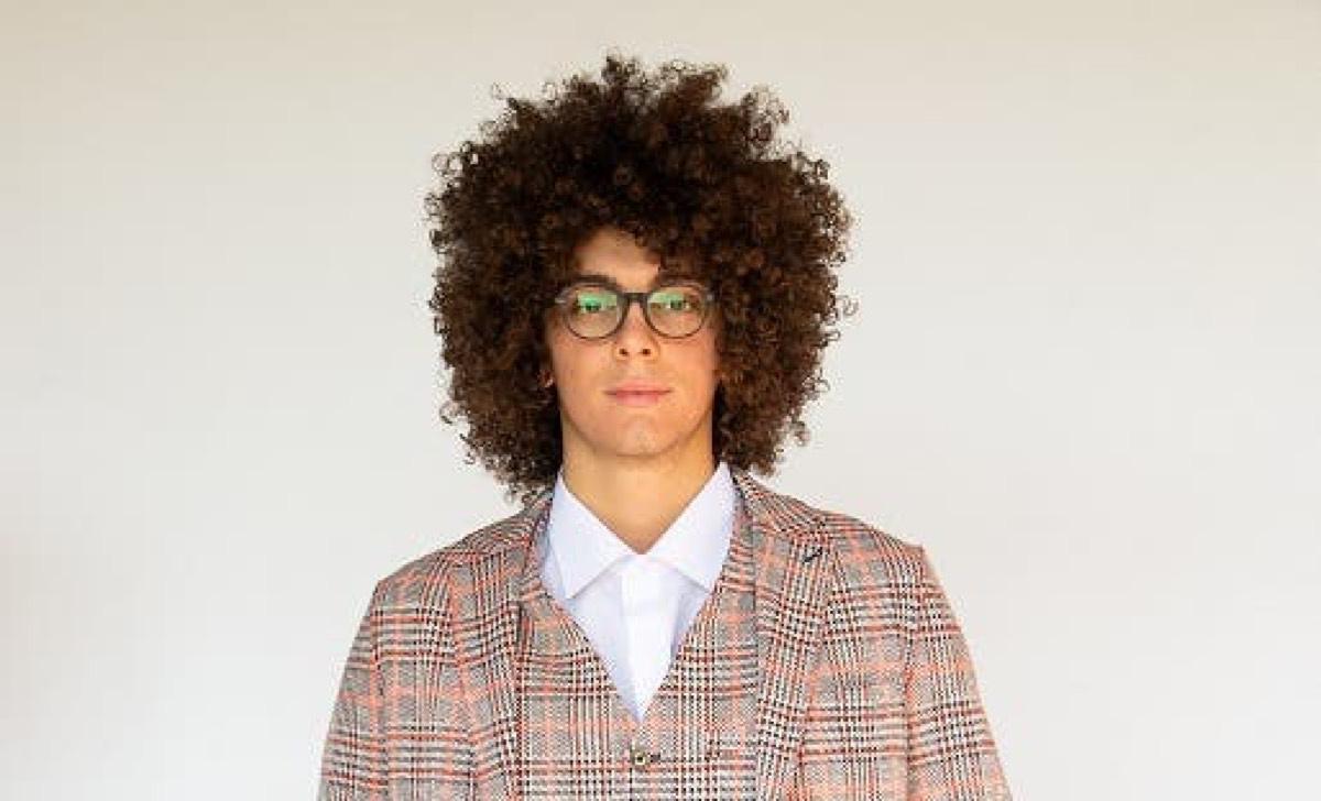 Alessio Guidi porta gli occhiali