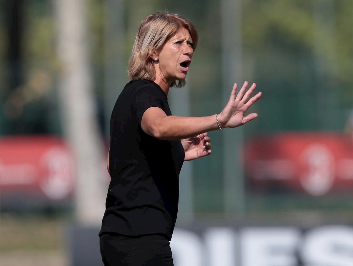 Carolina Morace allena