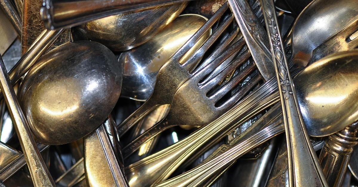 Come pulire e lucidare le posate in acciaio